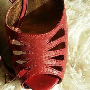 Jessica Simpson Shoes - Jessica Simpson's 9 1/2 high heel shoes